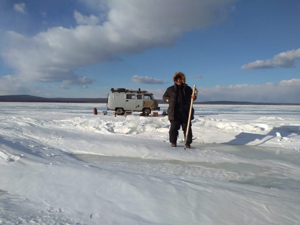 Siberia ice fishing Uaz