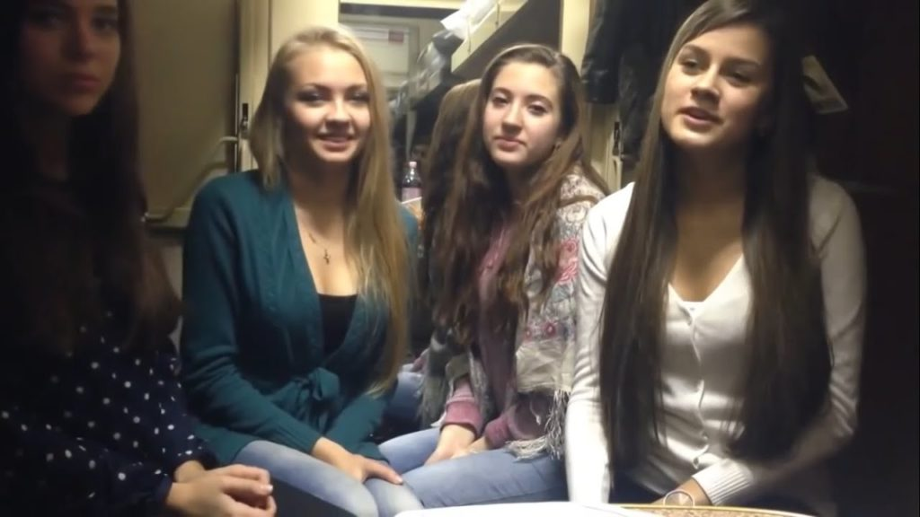 russian girls on train